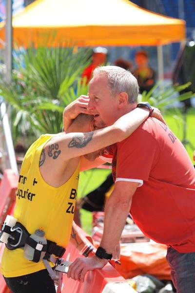 Duisburger Sportfoto des Jahres, Emotionen nach dem 32. Rhein-Ruhr-Marathon am 07.06.2015