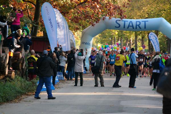 """53. RWE Marathon """"Rund um den Baldeneysee"""" am 11.10.2015, Foto Laufszene"""